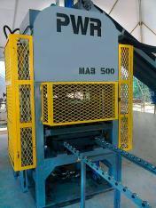 Máquina de blocos e pisos MAB 500